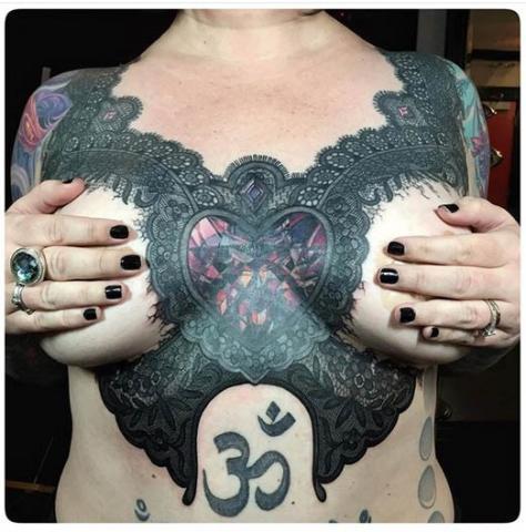 Damski Tatuaż Klatka Piersiowa Pomysły I Wzory Tatuaży Dla Kobiet