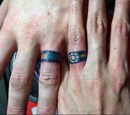Dla zakochanych par tatuaże na palcach