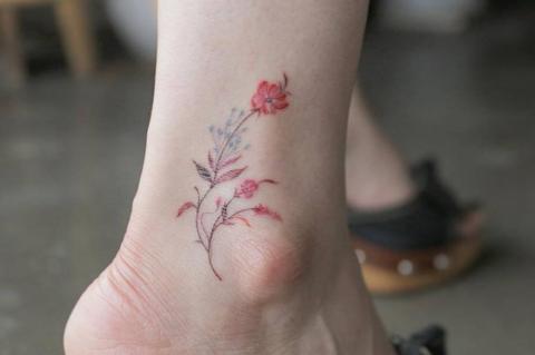 Dziki Kwiat Na Kostce Tatuaż Pomysły I Wzory Tatuaży Dla