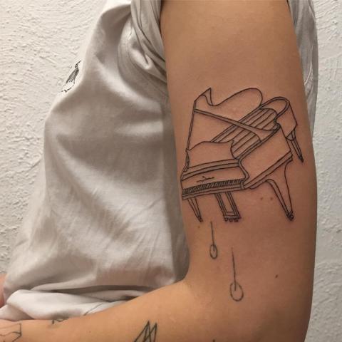 Fortepian tatuaż