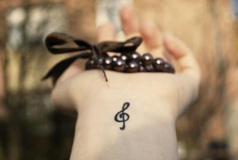 Klucz Wiolinowy Tatuaż Pomysły I Wzory Tatuaży Dla Kobiet