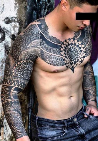 Męskie tatuaże