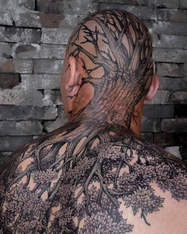 Męskie tatuaże drzewo