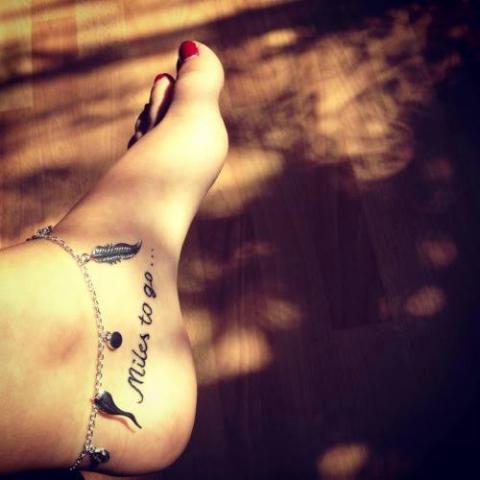 Napis Stopa Tatuaż Pomysły I Wzory Tatuaży Dla Kobiet Mężczyzn Human Tattoo Com