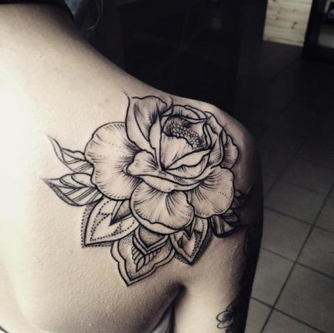 Obojczyk Kwiat Tatuaż Pomysły I Wzory Tatuaży Dla Kobiet