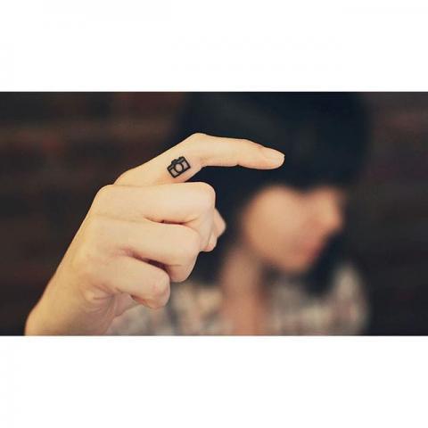 Tatuaż Aparat Pomysły I Wzory Tatuaży Dla Kobiet Mężczyzn Human