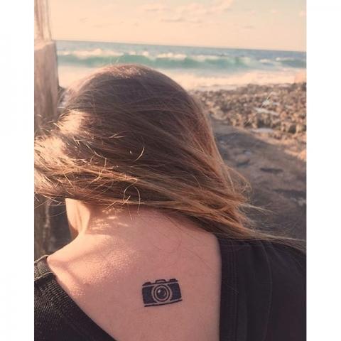 Tatuaż Aparatu Fotograficznego Pomysły I Wzory Tatuaży Dla Kobiet