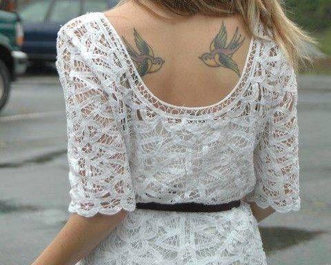 Tatuaż Jaskółki Na Plecach Pomysły I Wzory Tatuaży Dla Kobiet