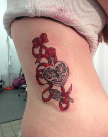 Tatuaż Klucz Symbolika Pomysły I Wzory Tatuaży Dla Kobiet