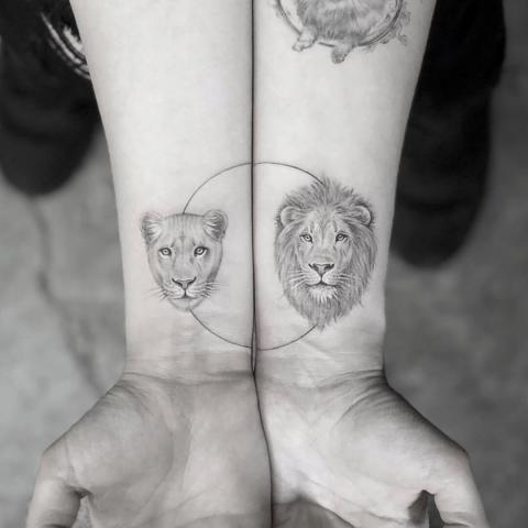 Tatuaż lwica i lew
