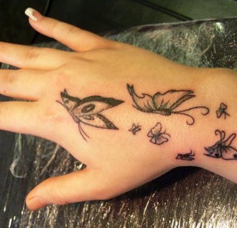 Tatuaż Motyle Dłoń Pomysły I Wzory Tatuaży Dla Kobiet