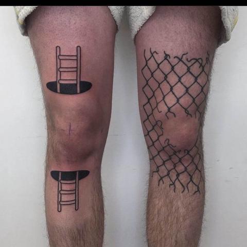 Tatuaż na dwóch nogach