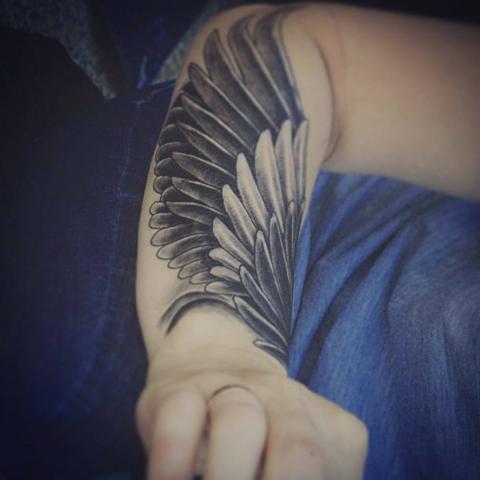 Tatuaż Na Przedramieniu Skrzydło Pomysły I Wzory Tatuaży Dla