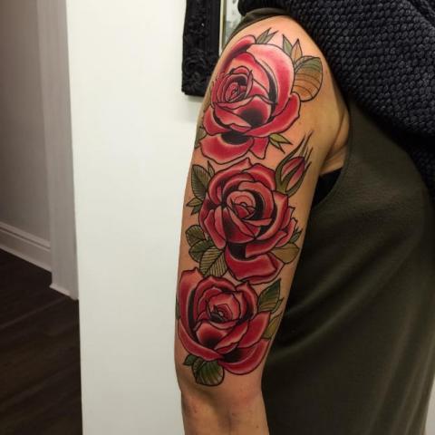 Tatuaż Róża Na Ramieniu Pomysły I Wzory Tatuaży Dla Kobiet