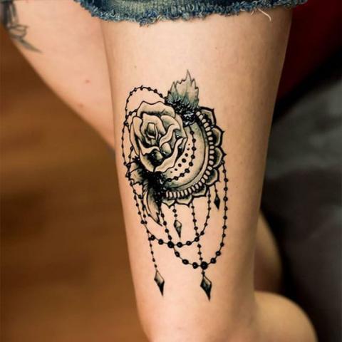 Tatuaż Róża Na Udzie Pomysły I Wzory Tatuaży Dla Kobiet