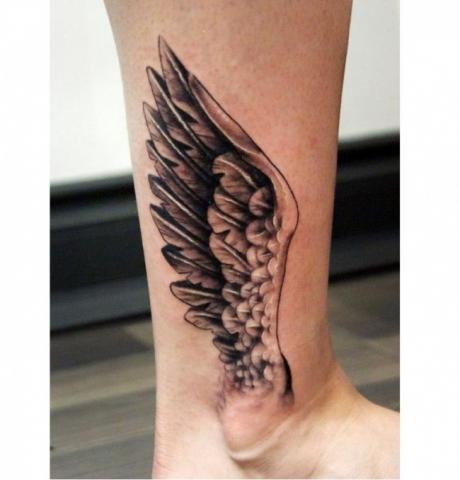 Tatuaż Skrzydło Na Nodze Pomysły I Wzory Tatuaży Dla Kobiet