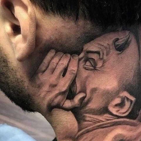 Tatuaż słucham diabła