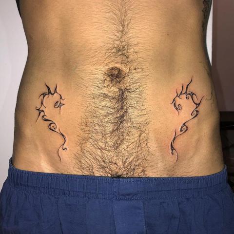 Tatuaż symetryczny