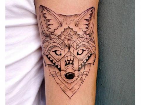 Tatuaż Wilk Geometryczny Pomysły I Wzory Tatuaży Dla Kobiet