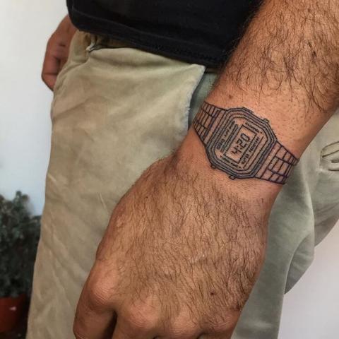 Tatuaż zegarek CASIO