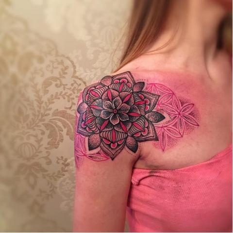 Tatuaże Mandala Pomysły I Wzory Tatuaży Dla Kobiet Mężczyzn Human