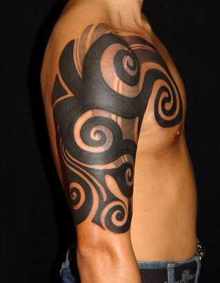 Tatuaże Tribal Na Ramieniu Pomysły I Wzory Tatuaży Dla