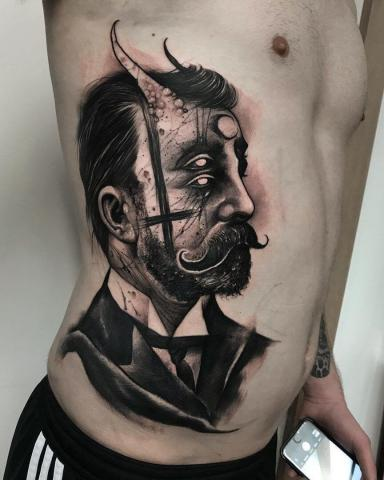 Twarz diabeł tatuaż