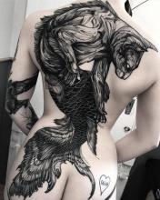 Damski tatuaż plecy