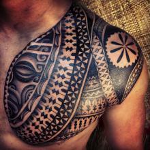 Męski motyw tatuaż