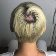 Tatuaż na czubku głowy