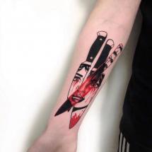 Trzy noże tatuaż