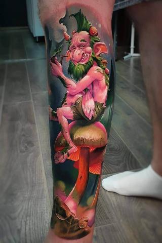 Bajeczny tatuaż na nodze