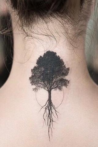 Drzewo tatuaż kark szyja