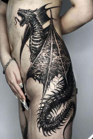 Smok duży tatuaż