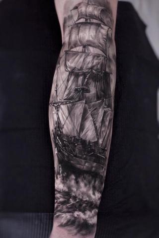 Statek tatuaż