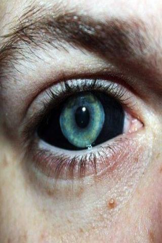 Tatuaż czarne oczy