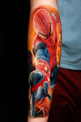 Tatuaż człowiek pająk