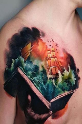 Tatuaż książka i statek
