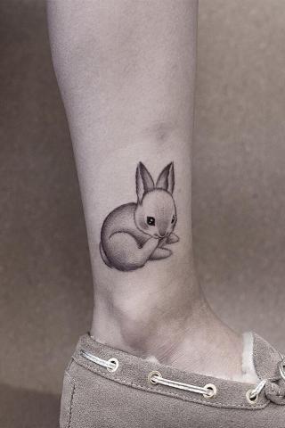 Tatuaż mały króliczek