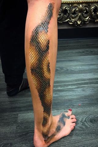 Tatuaż skóra węża