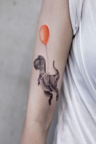 Tatuaż smok i balonik