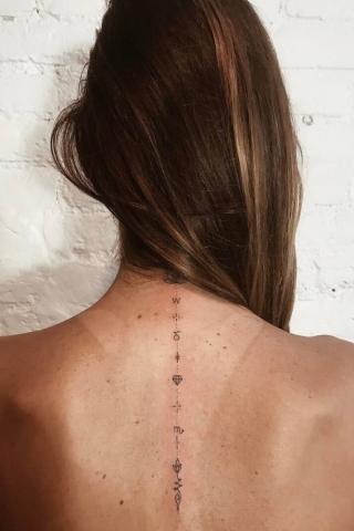 Tatuaże na kręgosłupie