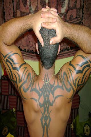 Tribal  męski tatuaż