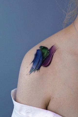 Trzy kolory tatuaż