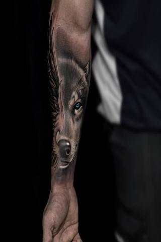 Twarz wilka tatuaż