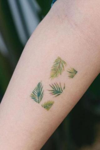 Wzór tatuaż liście
