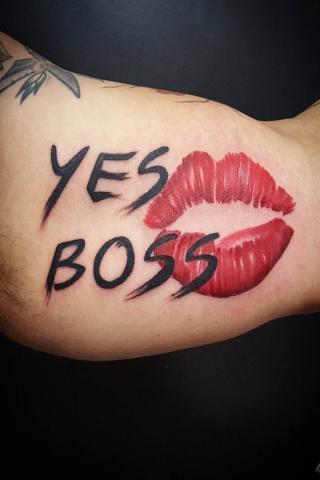 Yes boss tatuaż