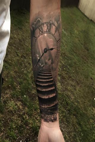 Zegar tatuaż męski wzór