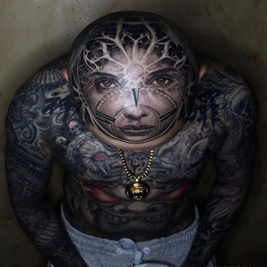 Mega tatuaż