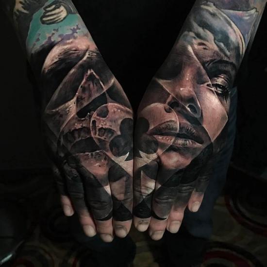Męskie tatuaże na dłoniach